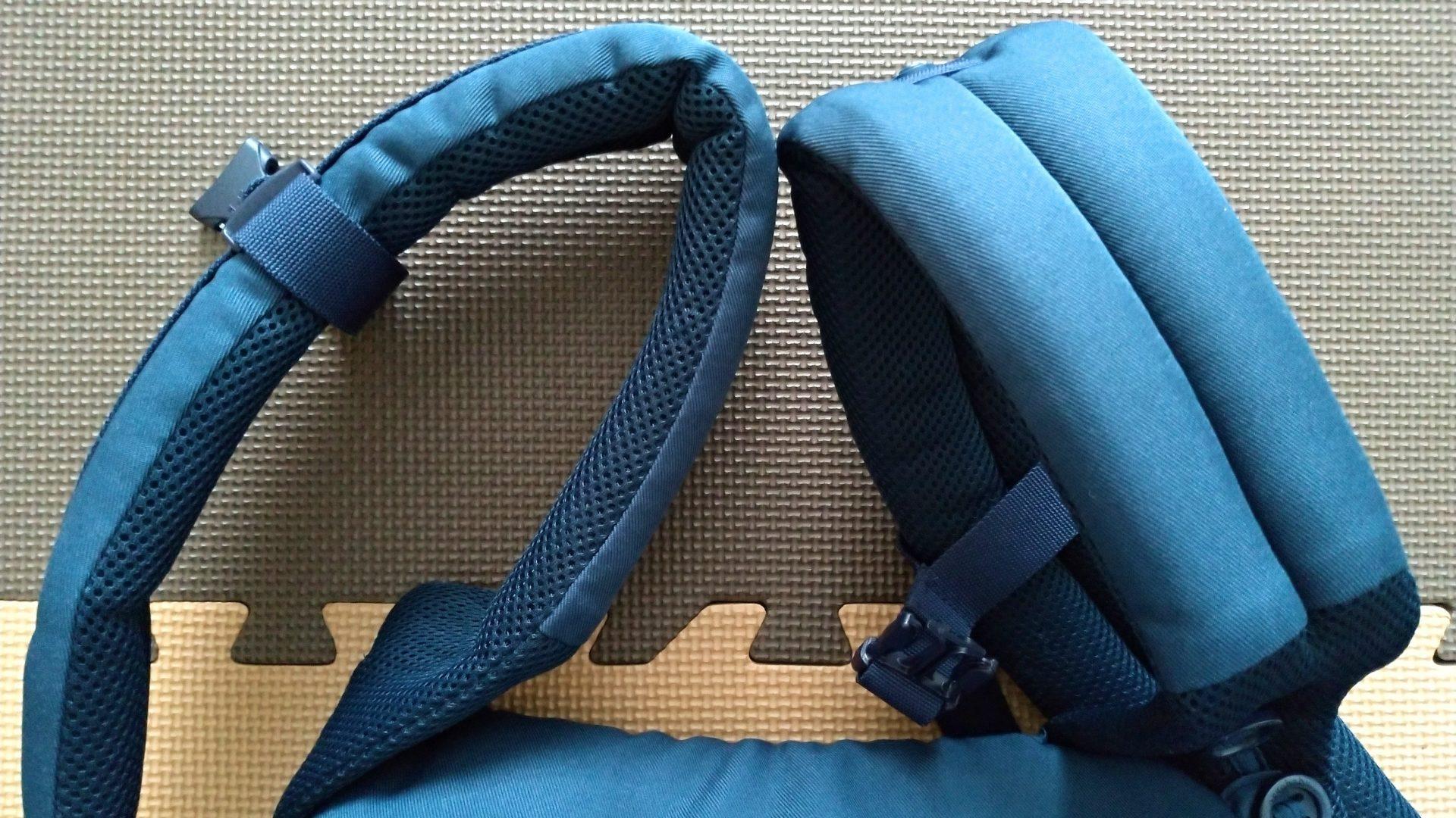 エルゴアダプトクールエアの肩紐、肩パッド