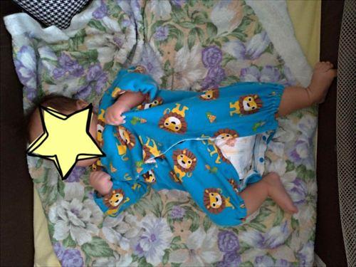ココネルエアープラスに赤ちゃんが寝ている様子